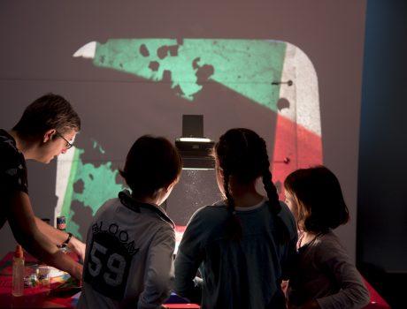 Maleta de luz. Pedagogía Reggio Emilia